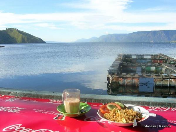 Desayunando en Tonguin (Sumatra)