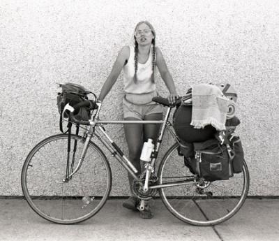 Laura Orton, en 1986, cuando cruzaba Estados Unidos en bici